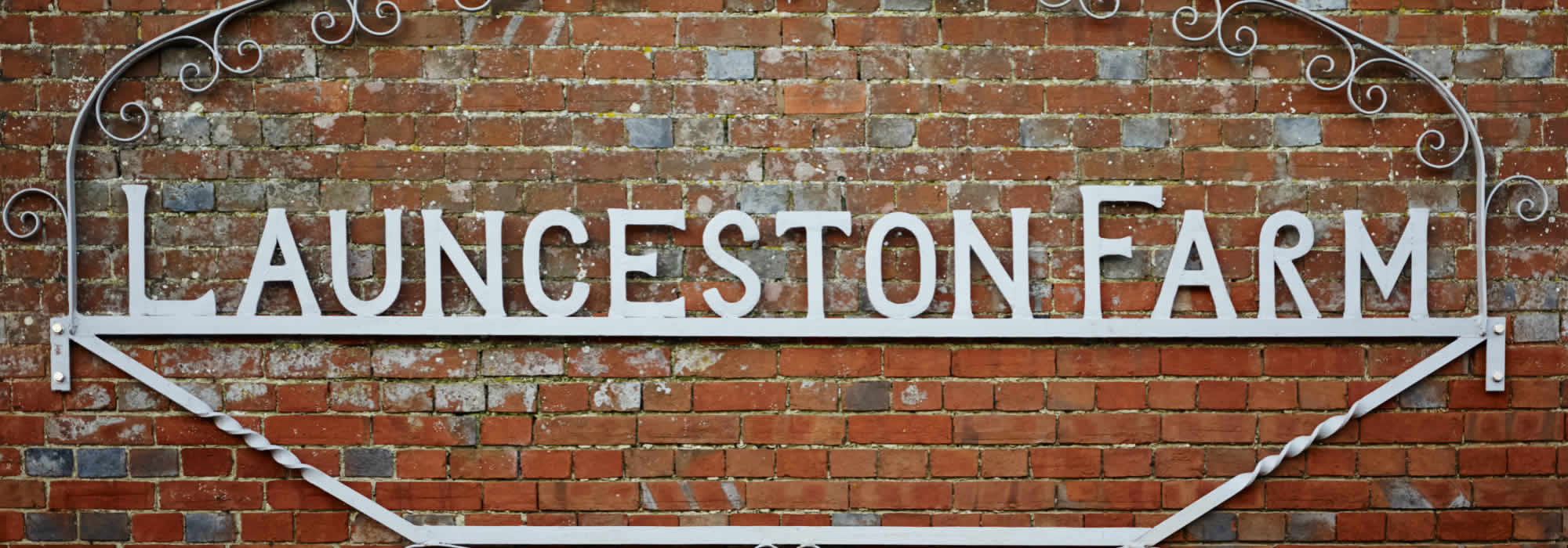 Launceston Farm sign
